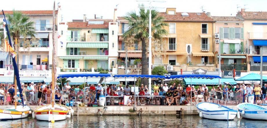 Le public, particulièrement nombreux, a apprécié les joutes organisées hier sur le port.