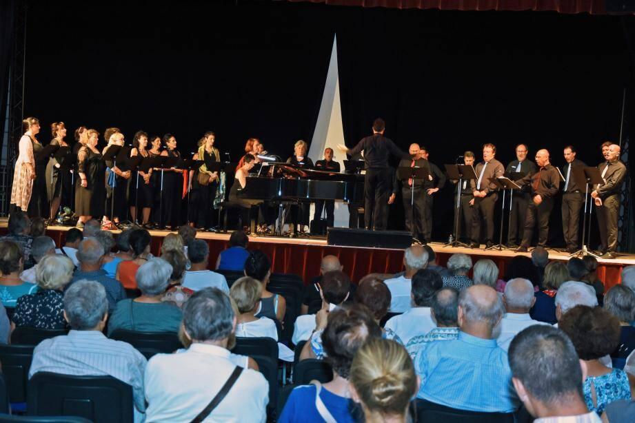 Une très belle soirée pour les mélomanes lors du concert du chœur de l'Opéra de Toulon.