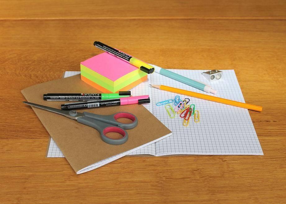 Les fournitures scolaires représentent un budget énorme pour les familles.