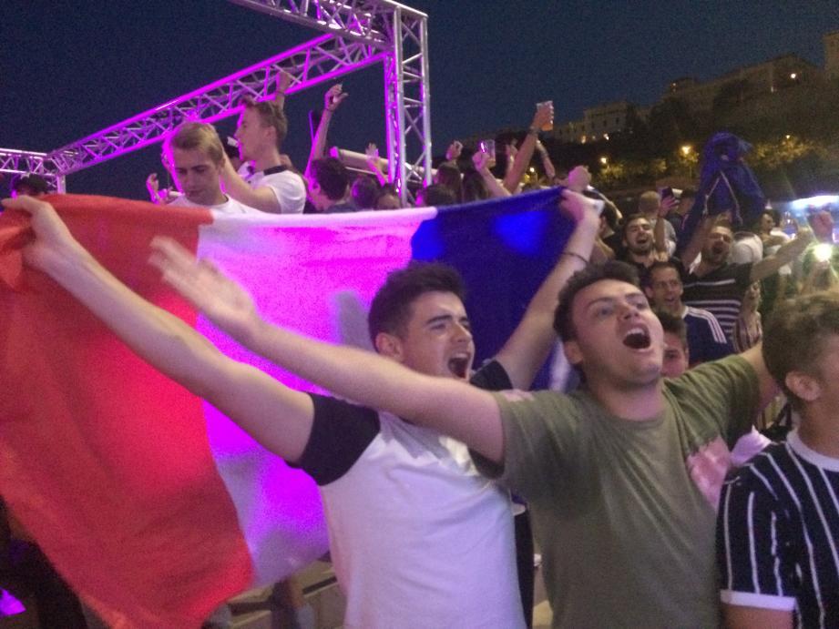 Explosion de joie à Monaco au terme du match France-Belgique