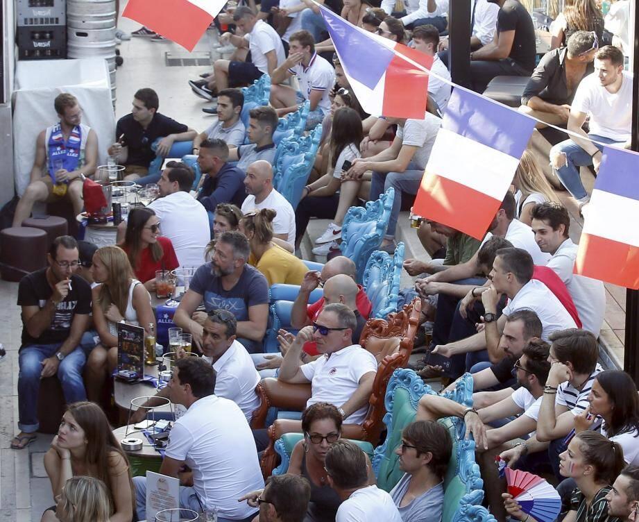 La Brasserie de Monaco avait dû refusé du monde, vendredi soir, au coup d'envoi. de France-Uruguay