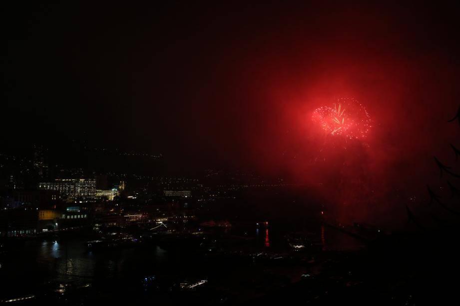 Après l'Italie et l'Espagne, le concours de feux d'artifice se poursuit samedi 4 août avec le Portugal.