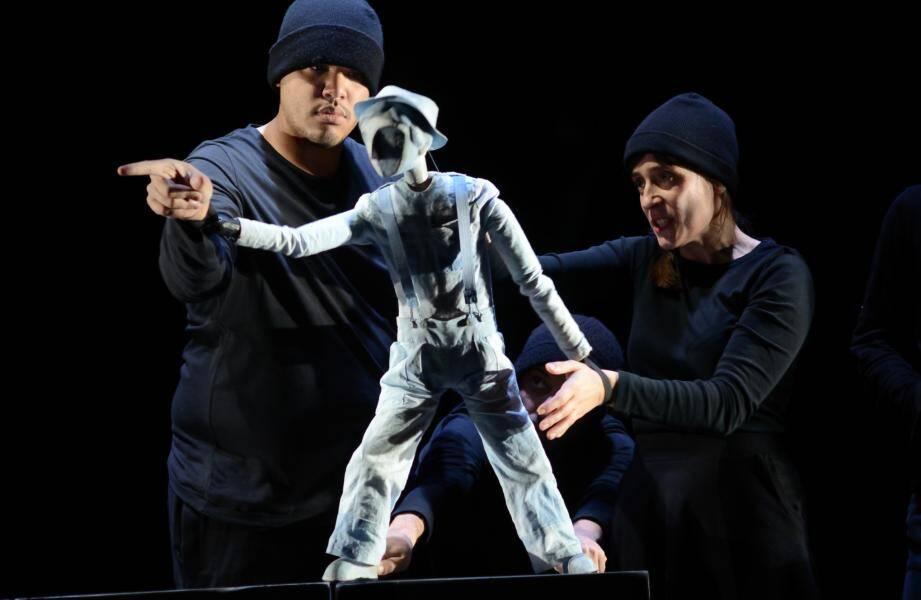 La compagnie Arketal interprète «Le passager clandestin» de Patrick Kermann ce soir à 21h30 au Théâtre du Fort Antoine.