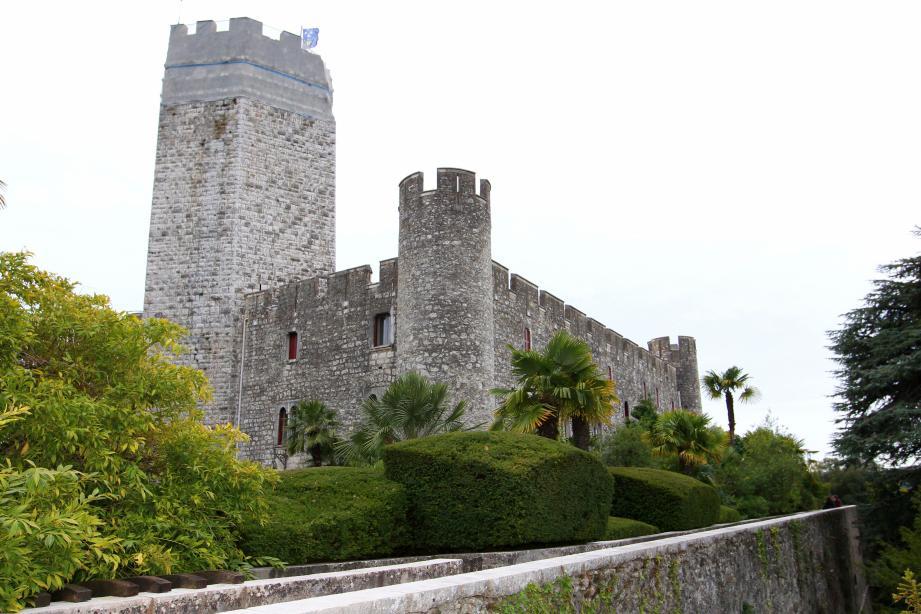 La forteresse de Villeneuve-Loubet, un voyage au temps des chevaliers.