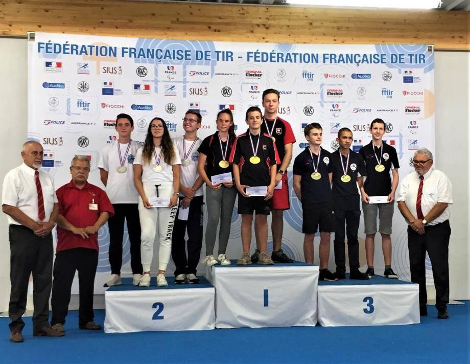 Les jeunes toulonnais se hissent sur la plus haute marche du podium.(photo DR)