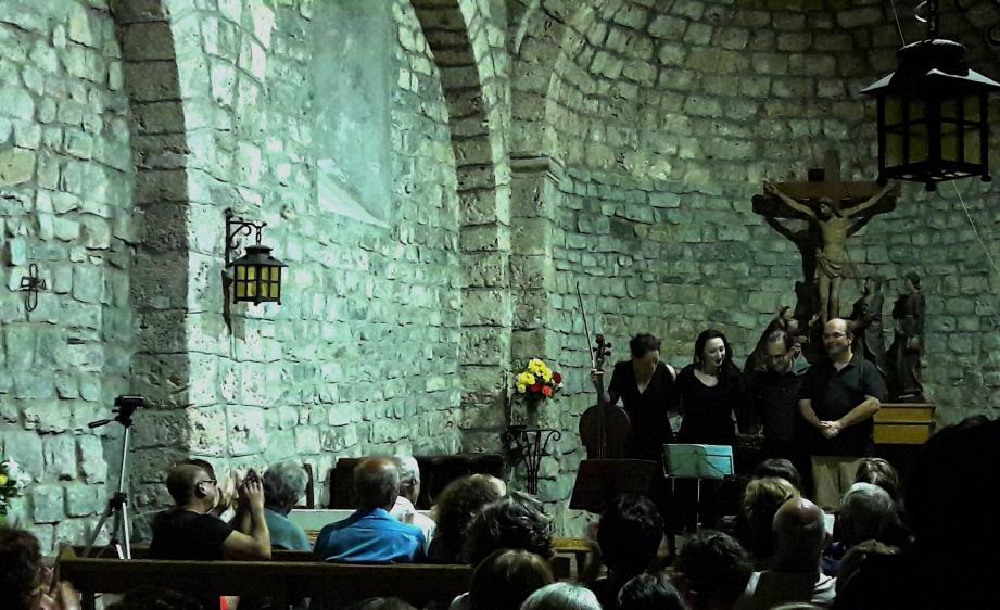 Les artistes ont été largement applaudis durant la soirée et à la fin du concert dans une église bien remplie.