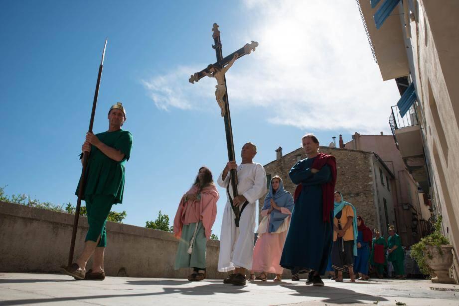 Les six tableaux de la Passion du Christ sont évoqués lors de cette Procession. (Archives photos L.B)