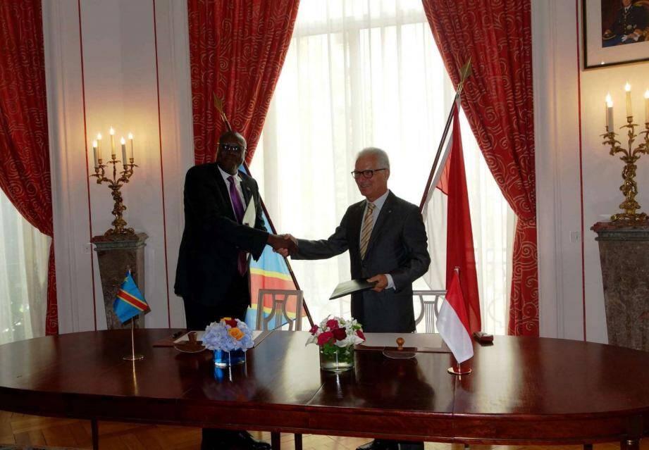 Claude Cottalorda, ambassadeur de Monaco en France et Christian Ileka Atoki, ambassadeur de la République démocratique du Congo en France .(DR)