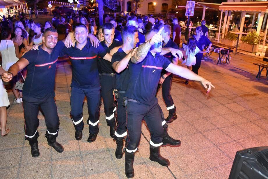 Les pompiers de la Turbie, toujours prêts à affronter le danger, comme toujours prêts à faire la fête !