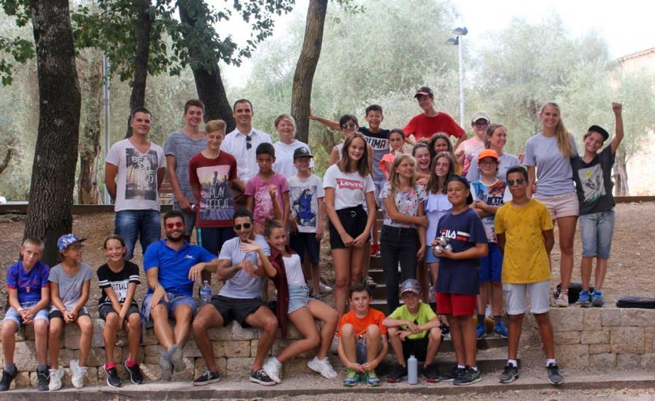 Pour leur premier été de vacances dans le cadre rénové de la ferme Bermond, les jeunes de la commune multiplient les activités et les plaisirs.