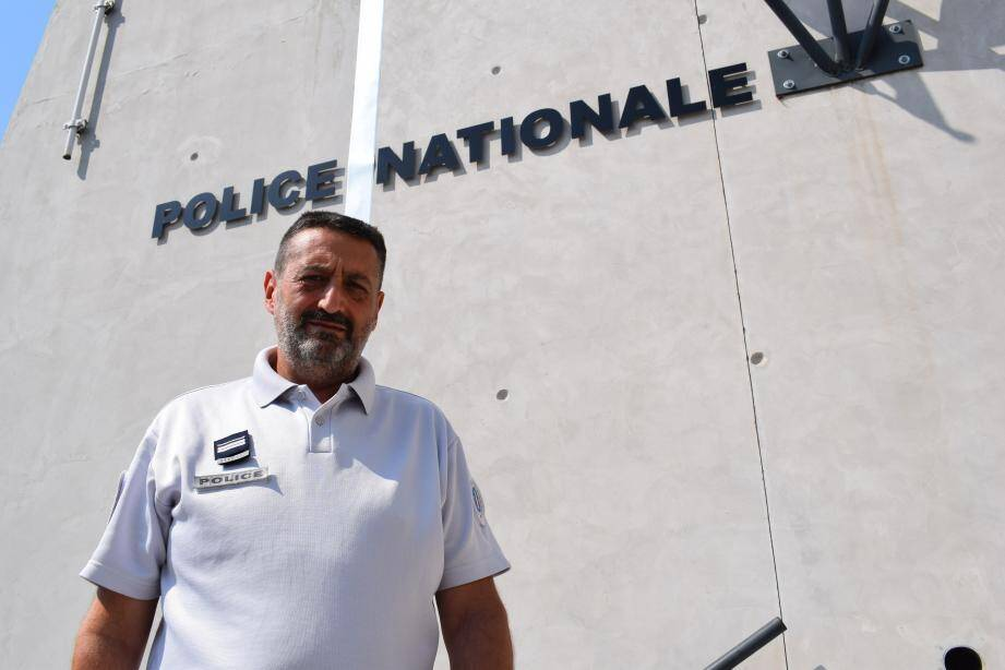 Jean-Régis Pascual assurera la permanence police-population chaque vendredi matin au commissariat de Grasse, à partir du 7 septembre.