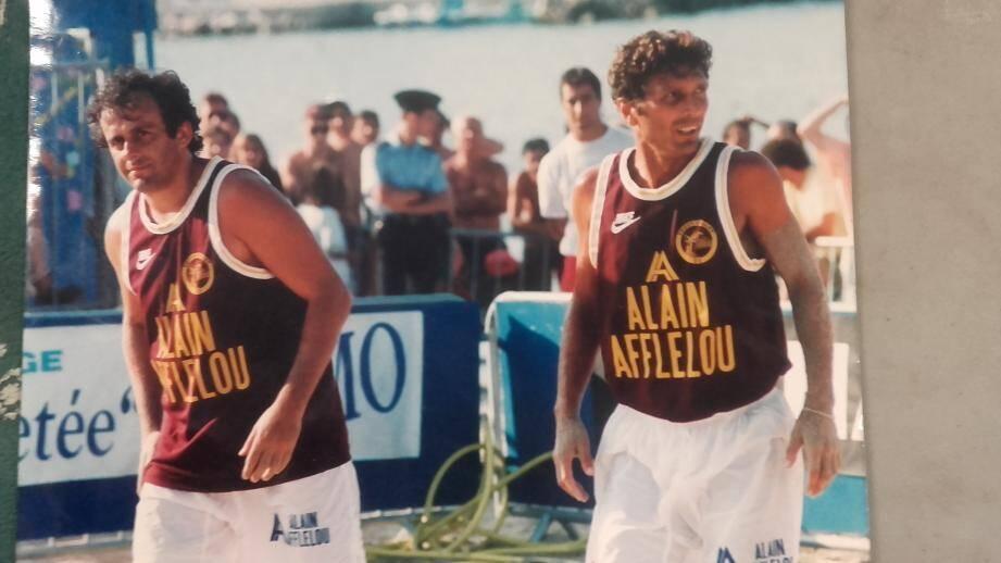 C'était il y a 25 ans. Associé à Roger Jouve, Michel Platini (à gauche) avait remporté la première édition du plateau All Stars à Antibes.