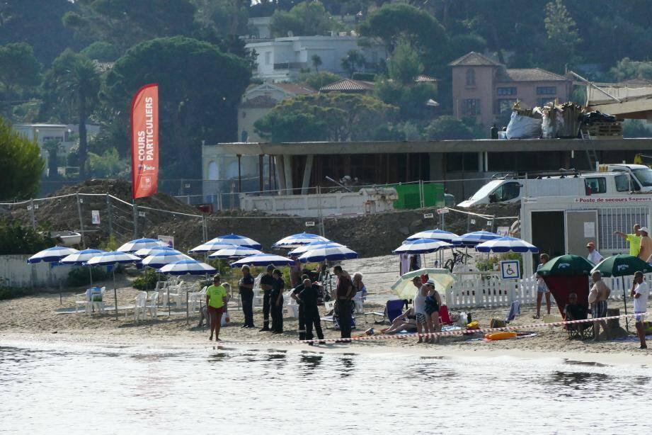A cause d'hydrocarbure, la baignade a été interdite hier matin sur la plage du Ponteil.
