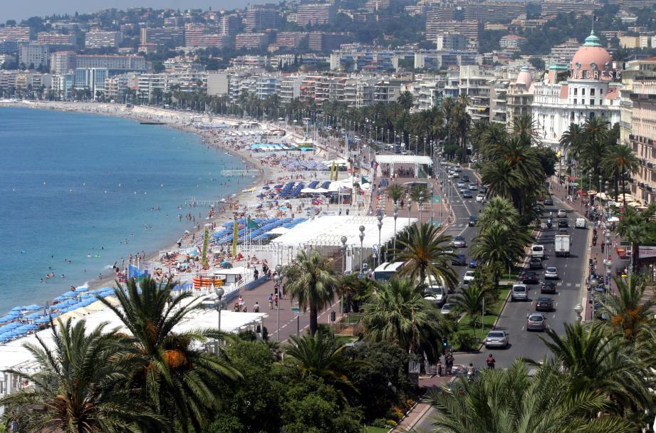 Vue de la promenade des Anglais à Nice.