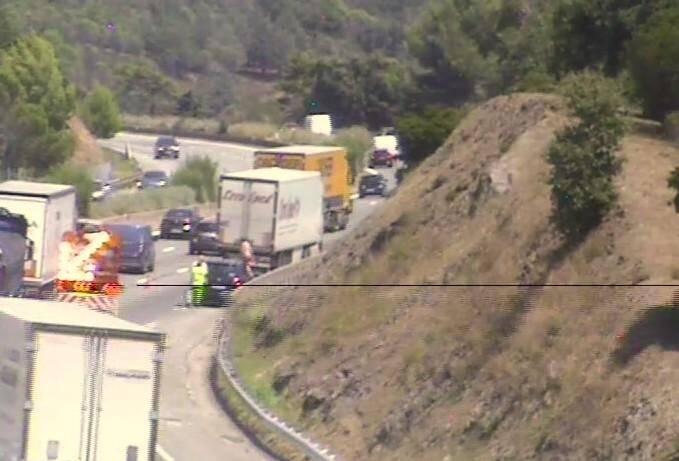L'accident est survenu dans un virage, 7km après la sortie Fréjus Ouest.