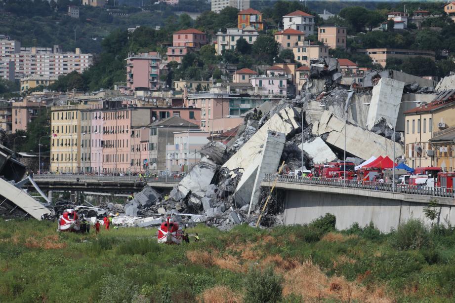 Le viaduc Morandi, de l'autoroute A10, s'est effondré ce mardi matin.