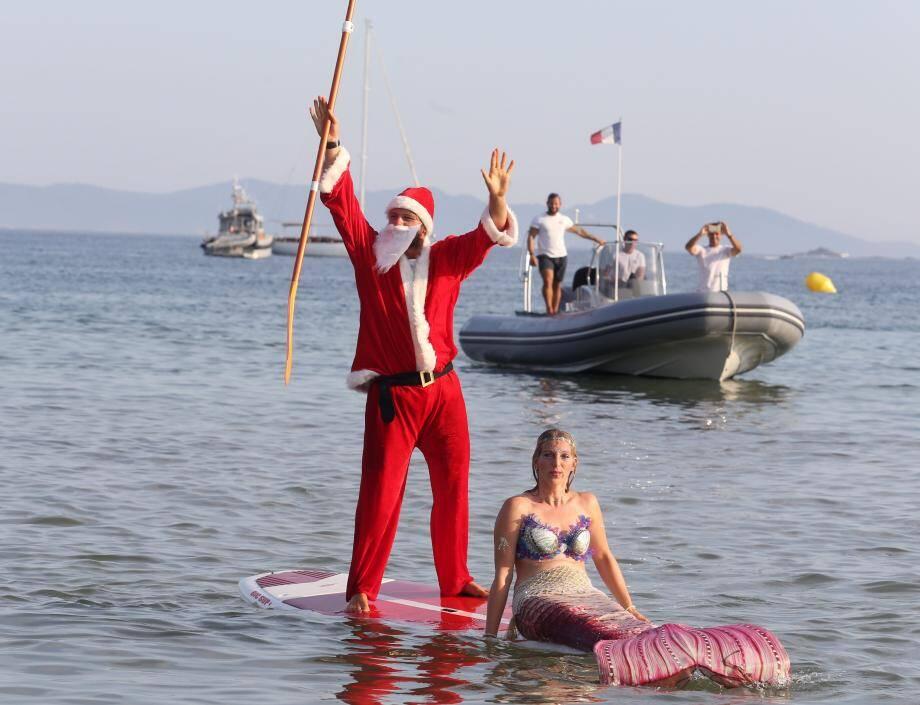 Cette année, le Père Noël était accompagné d'une sirène.