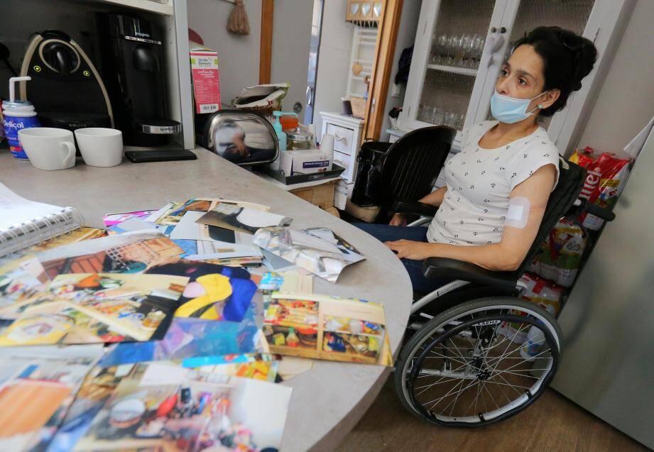 Draïfa Ezzamouri,  ans, est bloquée chez elle toute la journée. Handicapée à plus de 80%, rien qu'étendre son linge est déjà une épreuve.