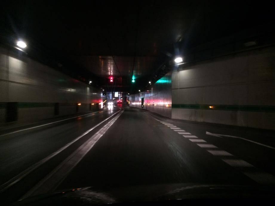 Depuis 9h05, une panne générale d'électricité affecte la Principauté. Ici le tunnel Auréglia.