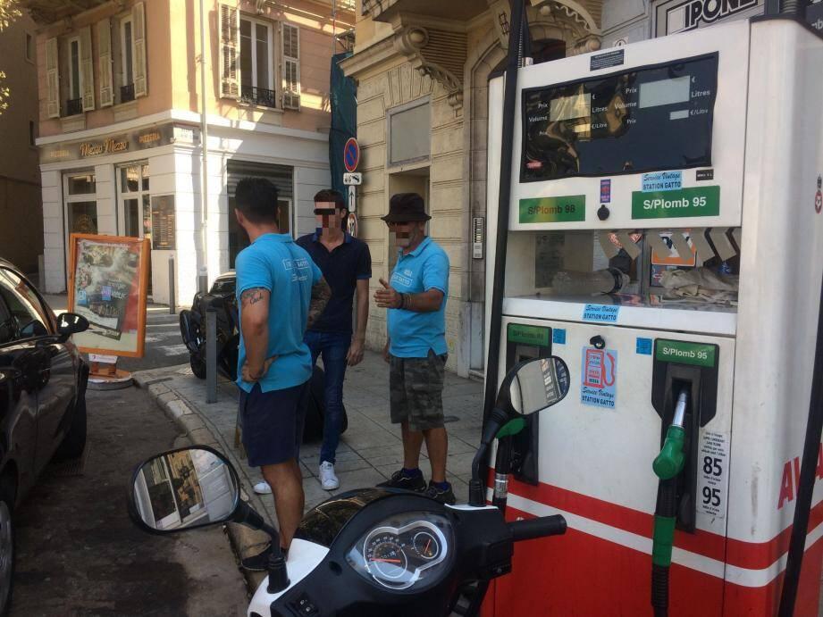 La station service de la rue Barla a également été affectée par la panne d'électricité.