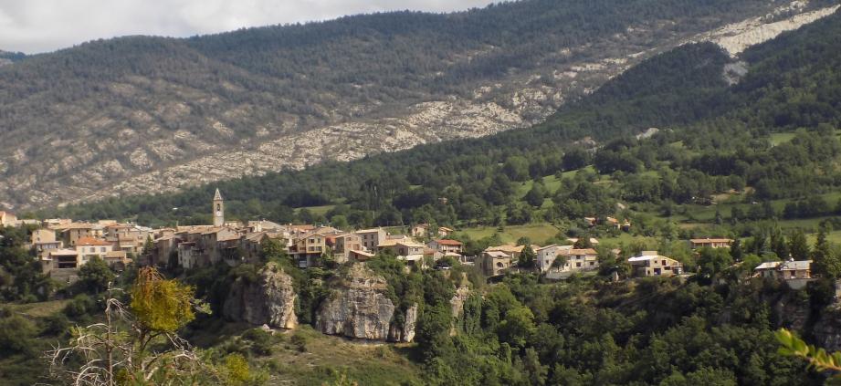 Le village de Méailles avait fait front en 1975.