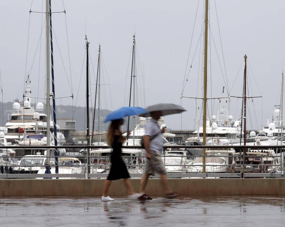 Un orage sur la Côte d'Azur. Ici à Monaco