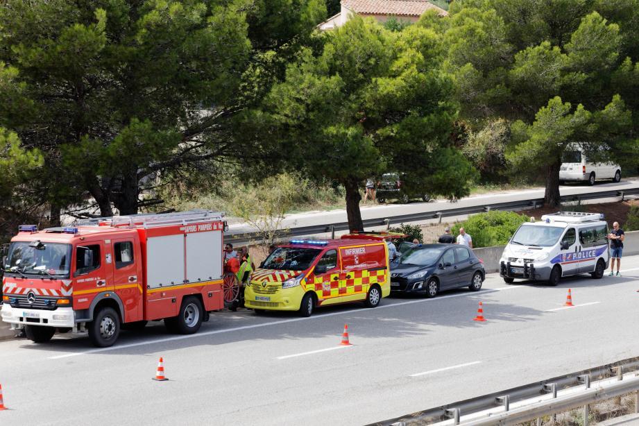Un motard de la police nationale décède en mission sur l'autoroute A50.