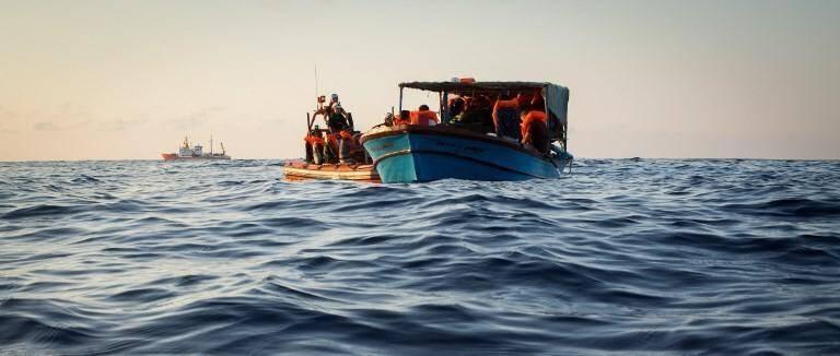 Des migrants secourus par le bateau Aquarius dans la Méditerranée en septembre. Illustration.