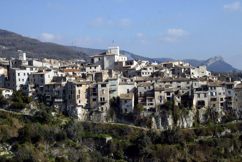 Pas de pénalité cette année ni l'année suivante pour Tourrettes-sur-Loup malgré les logements sociaux manquant par rapport aux objectifs imposés au titre de la loi SRU .