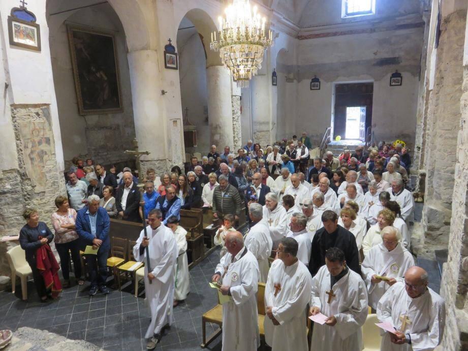 Lors de la messe avec la passation de Notre-Dame-de-la-Tinée de Saint-Etienne à Valdeblore.