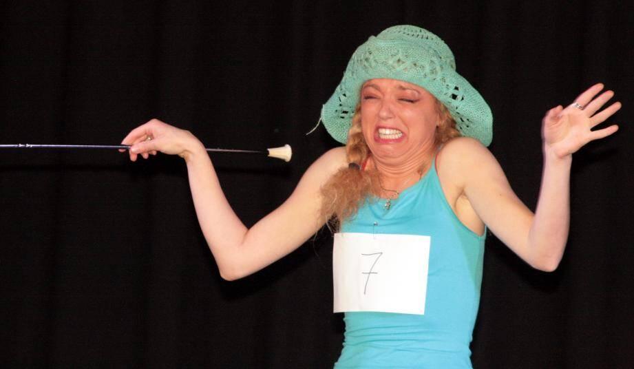 Athéna Calléa sera sur scène dimanche dans son one-woman-show, Philtre 2'humour.