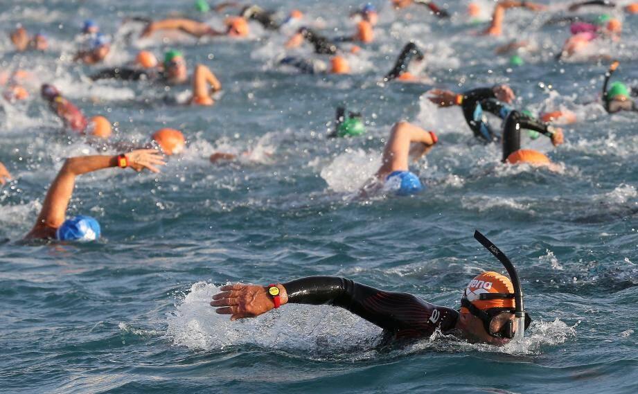 Parmi les 1200 participants attendus, la moitié s'alignera sur le 5 km (avec ou sans palmes), distance phare où le parcours reliera Carras à la plage des Ponchettes.