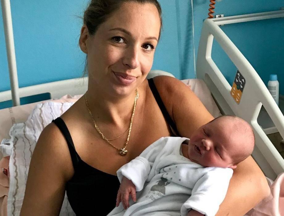 Livio est né mercredi vers 8 h 50 dans la voiture de ses parents, sur la Prom'.