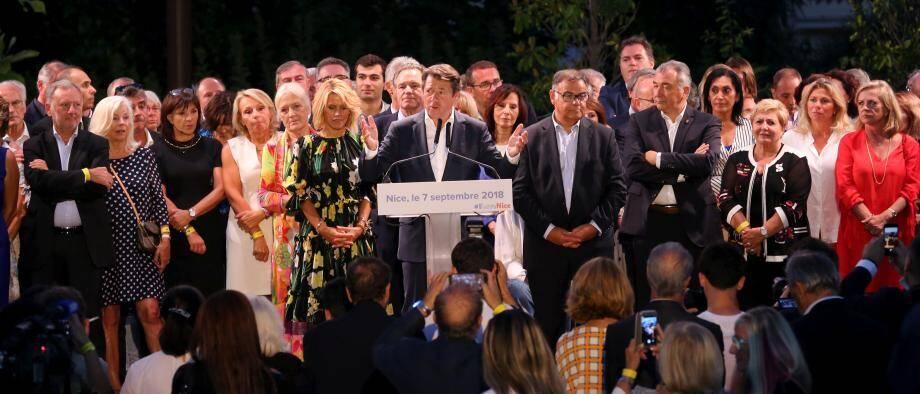 Entouré de son épouse et de ses soutiens politiques, Christian Estrosi s'est exprimé hier soir devant six mille convives annoncés lors du Festin nissart organisé au jardin Albert-1er.