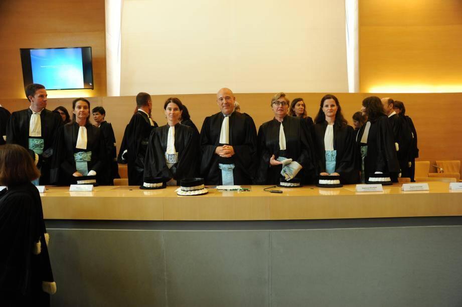 C'était jour de rentrée, hier matin, au tribunal, où Fabienne Atzori, procureur de la République, et Michaël Janas, président du TGI, ont accueilli les « petits nouveaux ».