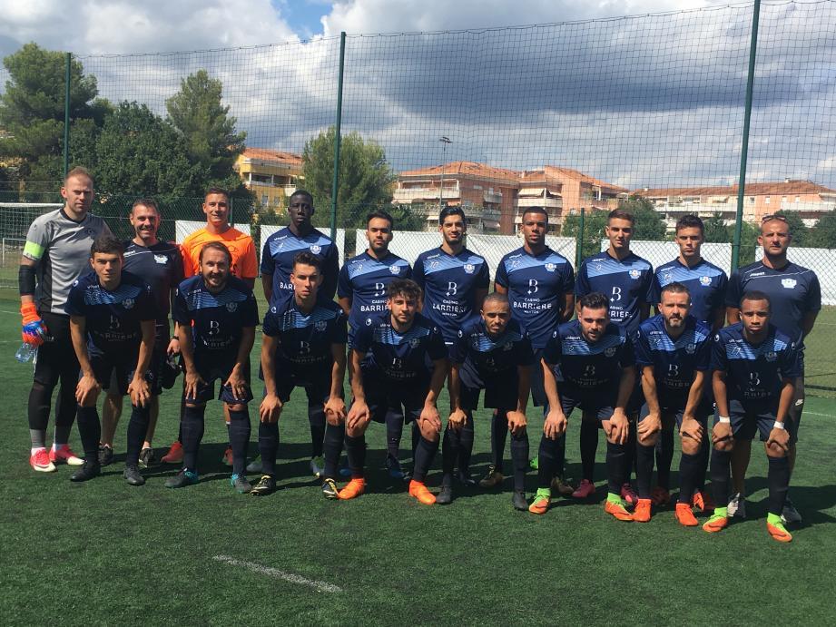 L'équipe du ROSM dimanche dernier avant sa victoire à Mouans-Sartoux (3-1) pour le compte du deuxième tour de la Coupe de France.