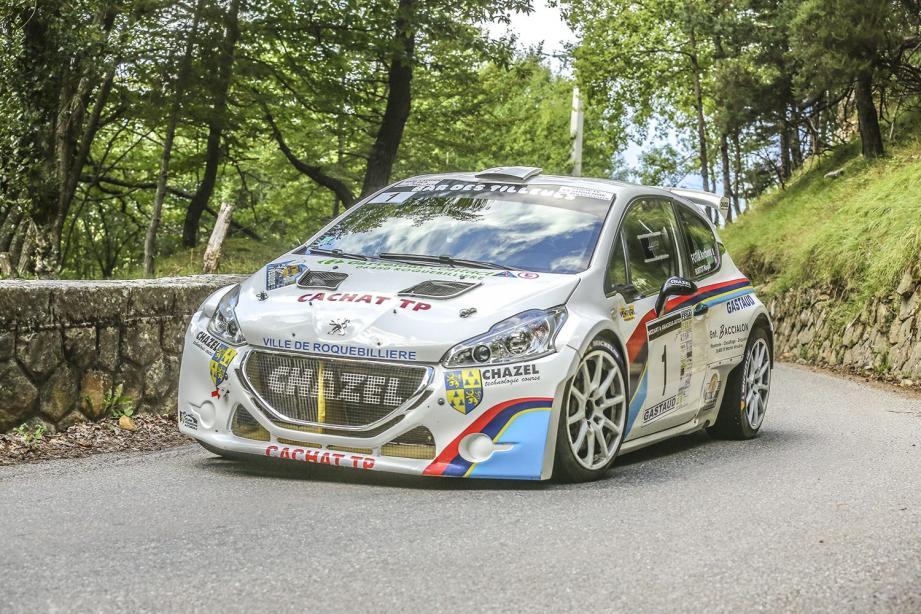 Dans son jardin, Anthony Fotia (Peugeot 208 R5) passe la deuxième au bout d'un suspense palpitant.
