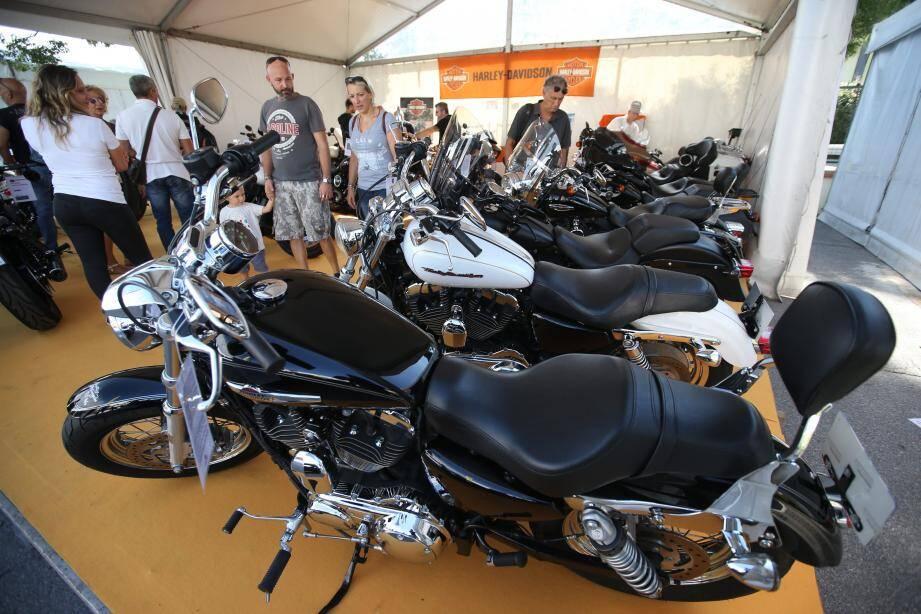 Le salon de la moto et du deux-roues se termine ce soir à l'hippodrome de Cagnes-sur-Mer. Les derniers modèles y sont mis en valeur à des prix « salons ».