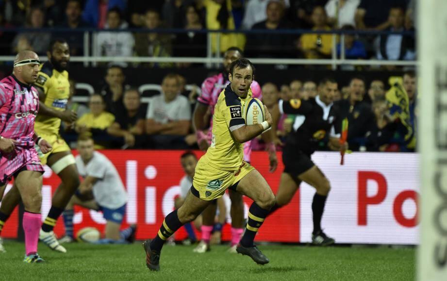 En remportant le choc face au Stade Français, Parra et les Clermontois poursuivent leur impeccable début de championnat.