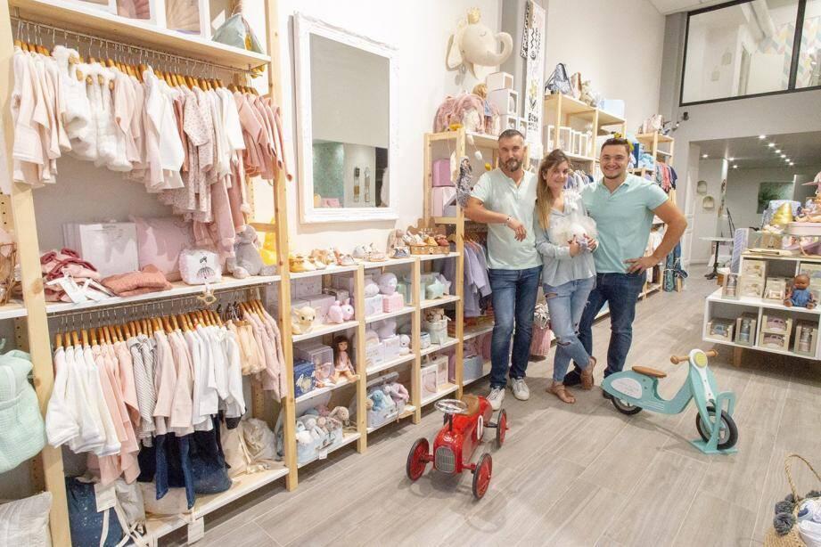 Alexandre, Laetitia et Joris à quelques heures de l'ouverture de Madrina, « family concept store. »