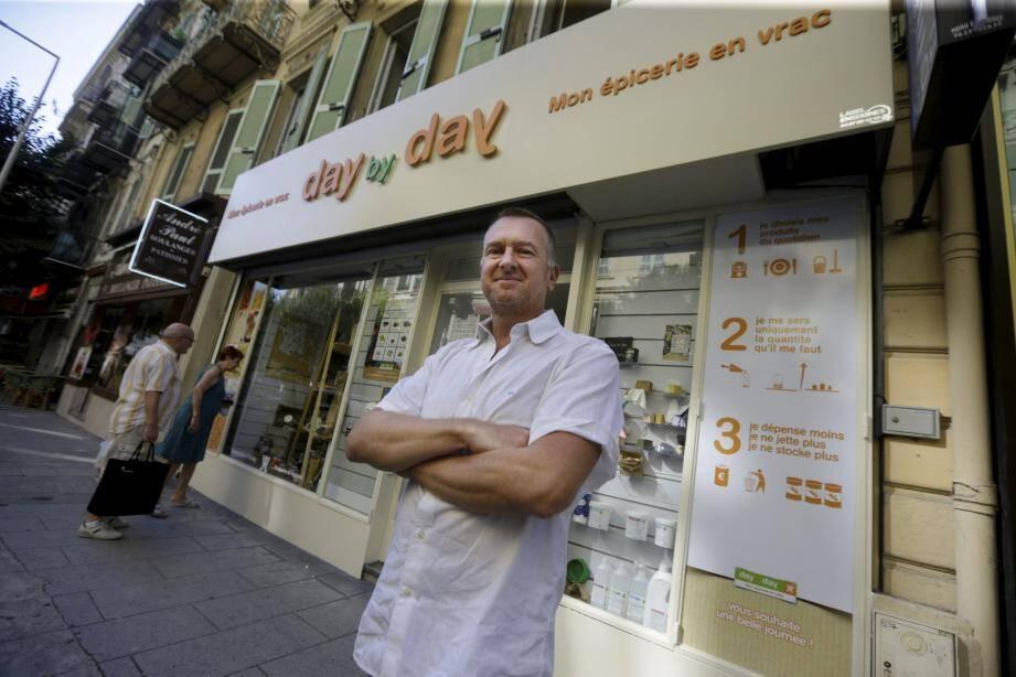 Ouvert depuis moins d'une semaine, le magasin niçois de la rue Vernier est le deuxième, après Marseille, de l'enseigne en région Paca. Day by Day veut avoir 150 boutiques en France et en Europe d'ici 2022, confie son DG, David Sutrat.