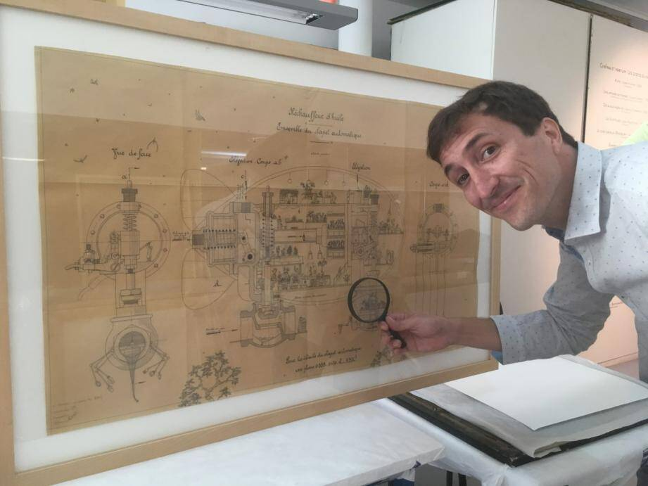 C'est dans les salles de l'hôtel Pontevès que les dessins de Lionel Favre ont pris leurs quartiers, ainsi que des objets liées à la parfumerie et des odeurs en rapport avec les dessins présentés.