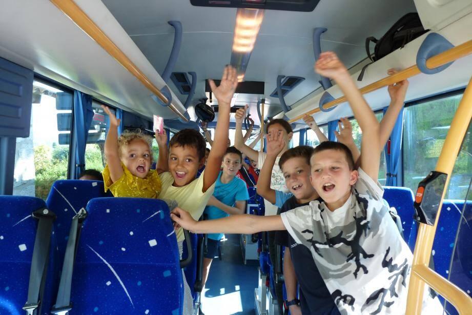 C'est une petite révolution à Saint-Paul-de-Vence. Pour la première fois, la Ville se dote d'un bus de ramassage scolaire pour son école primaire. Un moyen de lutter contre le stationnement gênant. (DR)