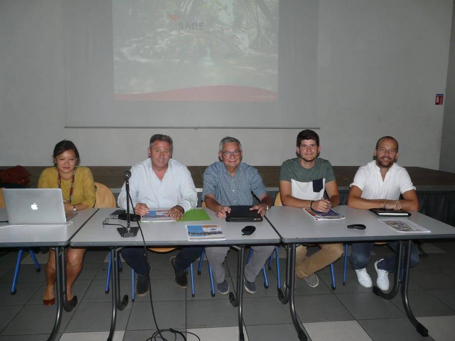 (De gauche à droite) Châu Chrétien-Ton, directrice, Patrick Martinelli, président, et Michel Armandi, vice-président.