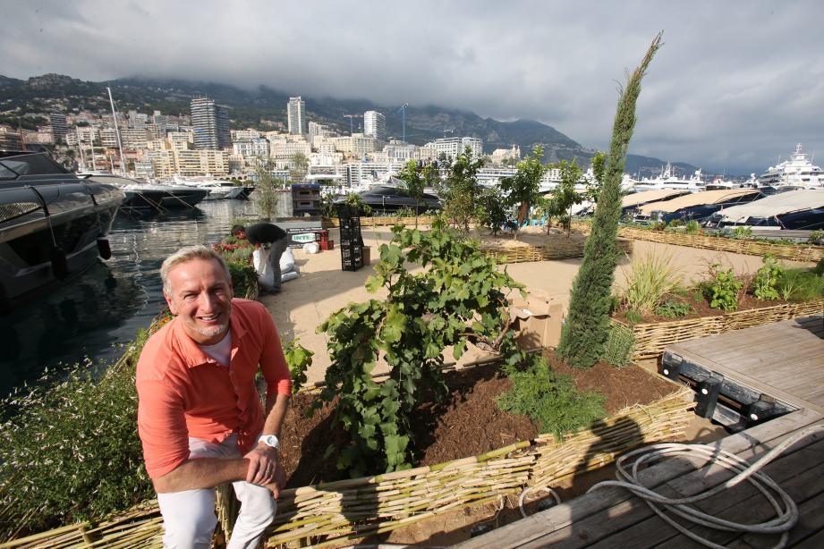 Comme l'an passé, le chef Paolo Sari installera un potager flottant devant le quai Antoine-Ier.