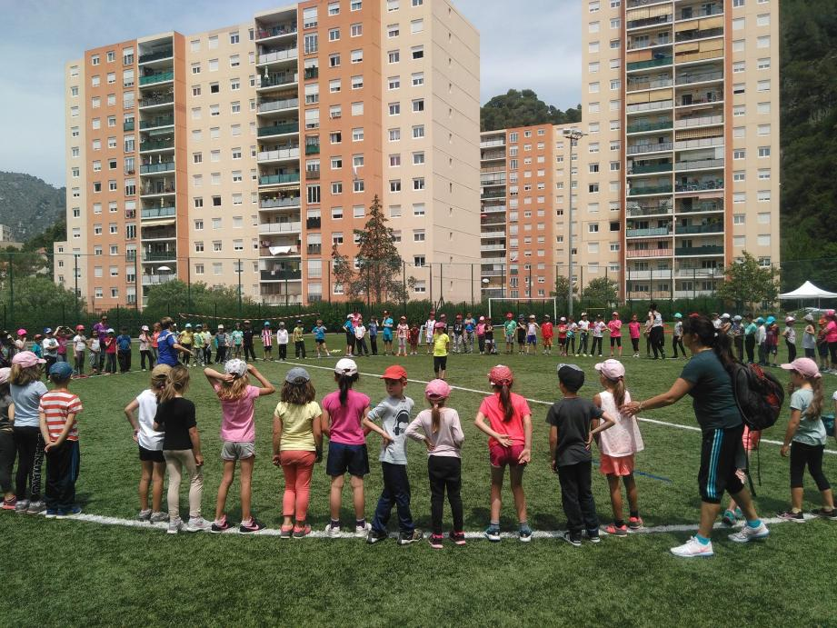 Toute la journée, des activités sont proposées aux enfants, puis aux adultes.