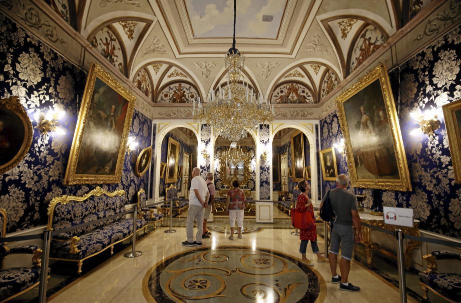 Les Grands Appartements d'une richesse artistique formidable sont ouverts au public une partie de l'année seulement. Hier, ils se sont dévoilés à l'occasion de cette Journée du Patrimoine.