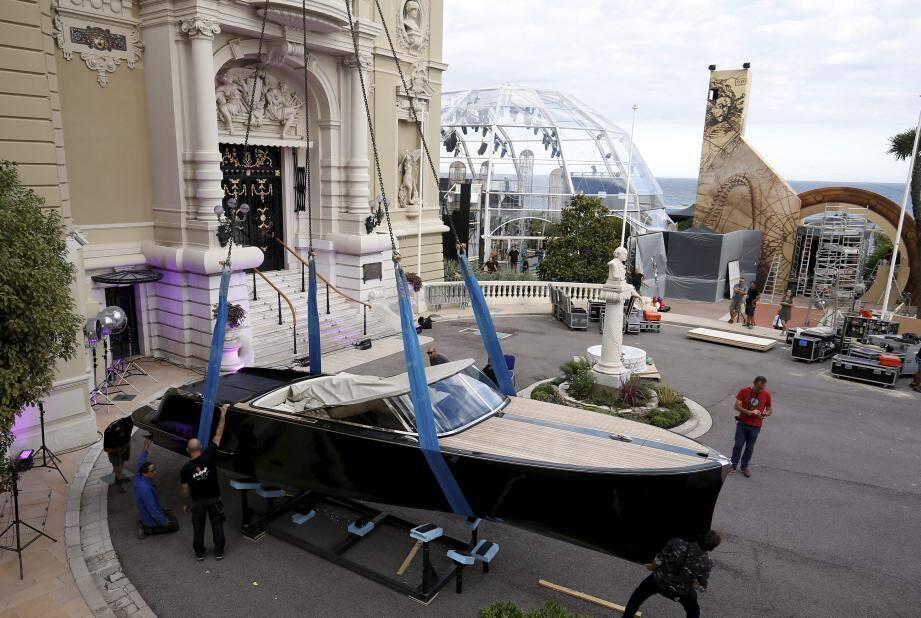 Ce bateau électrique Powerboat Vita est mis en vente, parmi d'autres lots, pour financer des programmes de sauvegarde des espèces marines, et de lutte contre la pollution des océans.