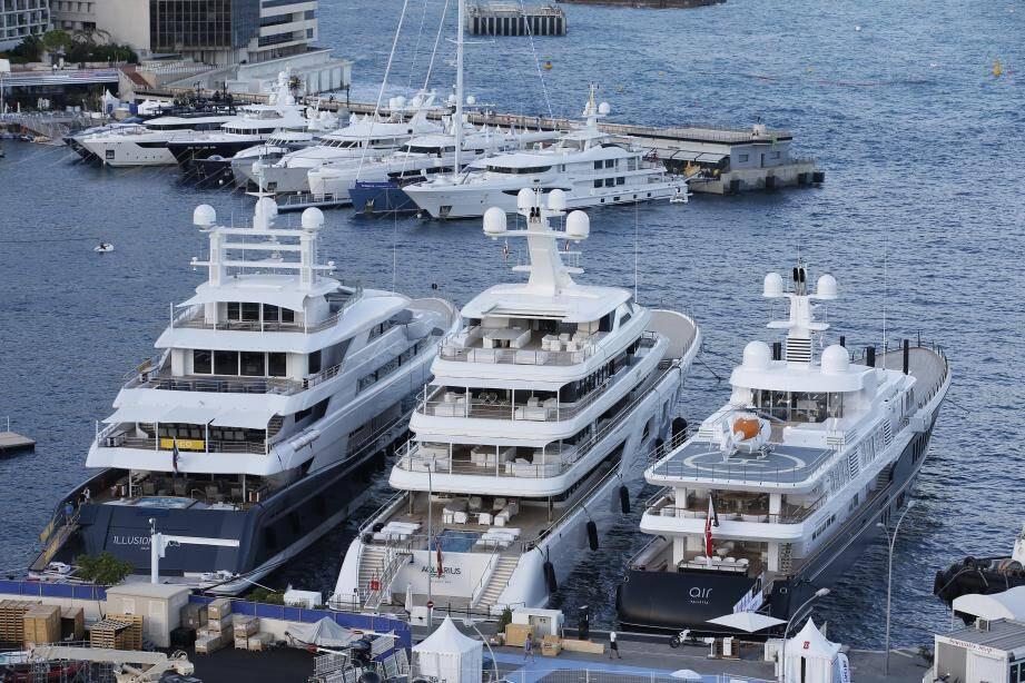 Récompensées, hier soir, lors de la soirée de gala du Yacht Show, les plus belles unités seront aujourd'hui amarrées au port  Hercule.