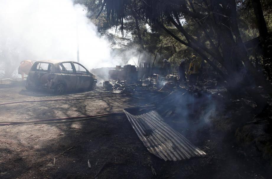 Hier, vers 9 heures, un feu s'est déclaré à proximité d'une propriété de la Promenade de la 1re-Division française libre (DFL) de Roquebrune. L'incendie s'est propagé dans la même zone boisée que la veille.
